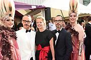 Amsterdam Diner in de Heineken Music Hall. De opbrengst van het benefietdiner gaat naar onderzoek van de aidsactivisten die vorig jaar omkwamen bij de vliegramp met de MH17.<br /> <br /> Op de foto:  Prinses Mabel met Viktor Horsting en Rolf Snoeren
