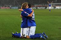 Fotball<br /> Tyskland<br /> 06.11.2011<br /> Foto: Witters/Digitalsport<br /> NORWAY ONLY<br /> <br /> 2:2 Jubel v.l. Torschuetze Teemu Pukki, Julian Draxler (Schalke)<br /> Bundesliga, Hannover 96 - FC Schalke 04