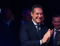 22.05.2016, Prater Alpendorf, Wien, AUT, FPÖ, Wahlfeier nach Stichwahl der Präsidentschaftswahl 2016, im Bild Klubobmann FPÖ Heinz-Christian Strache // Leader of the parliamentary group FPOe Heinz Christian Strache during the after election party of the austrian freedom party due to the austrian presidential elections at Prater in Vienna, Austria on 2016/05/22, EXPA Pictures © 2016, PhotoCredit: EXPA/ Michael Gruber