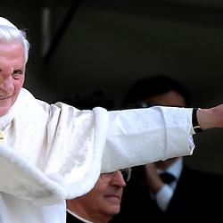 20100507: ITA, Pope Benedict XVI in Piazza San Carlo, Torino