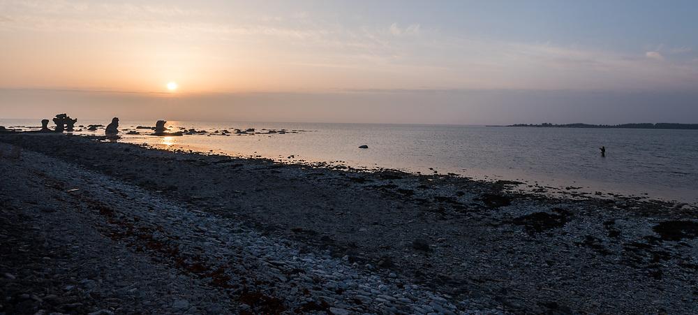 9 April 2018, Fårö, Gotland, Sweden: Flyfishing with Fish Your Dream, Sweden, on Fårö, north-east of the island of Gotland. Here, Fish Your Dream guide Robert Hansson.