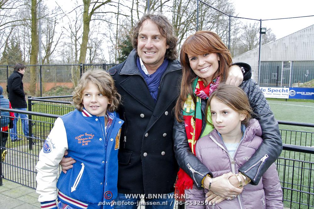 NLD/Blaricum/20120314 - Perspresentatie Koen Kampioen met als gastrol Luca Borsato, Marco Borsato met partner Leontien  zoon Senna en dochter Jada