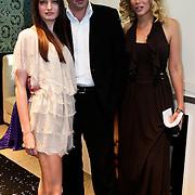 NLD/Amsterdam/20100521 - Uitreiking Dutch Model Awards 2010, Fleurance Meijer kreeg de Talent Award uit handen van couturier Paul Schulten en Berber Esha Janssen