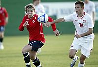 Fotball , 9. februar 2010 , Privatkamp La Manga U19<br /> Norge - Polen<br /> Norway -Poland<br /> <br /> Pawel Oleksy , Polen og Zaglebie Lubin<br /> Stefan Johansen , Norge og Bodø/Glimt