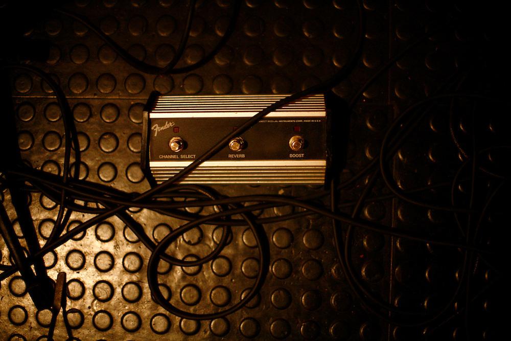 Belo Horizonte_MG, Brasil...Ensaio da banda Coracoes Dilacerados no Estudio Geleia. Na foto detalhe de um equipamento de som...The rehearsal of the Coracoes Dilacerados band in Geleia studio. In this a . audio equipament detail...Foto: LEO DRUMOND / NITRO.