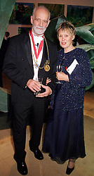 PROF.& MRS PHILLIP KING he is President of the Royal Academy <br /> of Art, at a dinner in London on 23rd May 2000.OEL 120