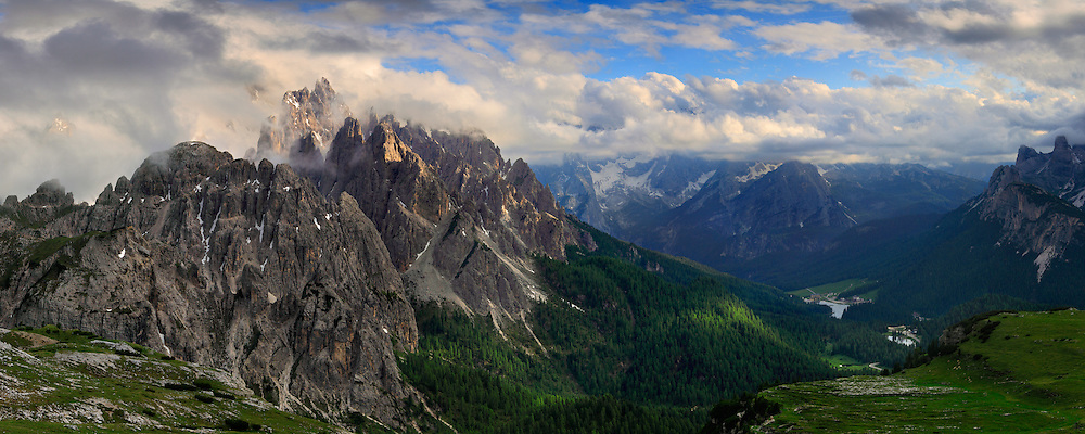 Cadini di Misurina, Dolomites, with an upcoming front Dolomiti di Sesto area, at the border between Veneto and the Province of Alto Adige/South Tyrol.