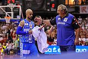 DESCRIZIONE : Campionato 2014/15 Serie A Beko Grissin Bon Reggio Emilia - Dinamo Banco di Sardegna Sassari Finale Playoff Gara7 Scudetto<br /> GIOCATORE : David Logan Romeo Sacchetti<br /> CATEGORIA : Fair Play Allenatore Coach<br /> SQUADRA : Dinamo Banco di Sardegna Sassari<br /> EVENTO : LegaBasket Serie A Beko 2014/2015<br /> GARA : Grissin Bon Reggio Emilia - Dinamo Banco di Sardegna Sassari Finale Playoff Gara7 Scudetto<br /> DATA : 26/06/2015<br /> SPORT : Pallacanestro <br /> AUTORE : Agenzia Ciamillo-Castoria/L.Canu
