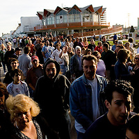 (PPAGE1) Asbury Park 4/20/2006 A crowd gathers outside of the Asbury Park Convention Hall for a Bruce Springsteen concert.   Michael J. Treola Staff Photographer.....>MJT