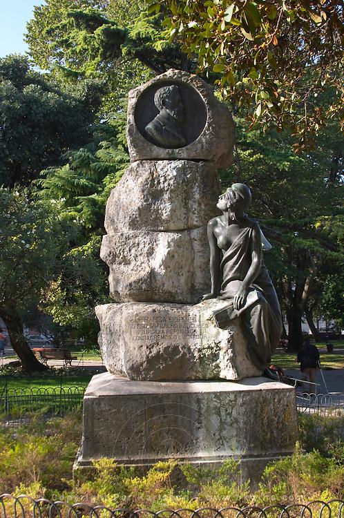 franga borges statue praca do principe real square bairro alto lisbon portugal