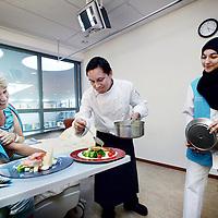 Nederland, Hoofddorp , 13 augustus 2013.<br /> Patiente in spaarneziekenhuis krijgt op haar verjaardag een speciaal verjaardagdiner. <br /> <br /> Foto:Jean-Pierre Jans