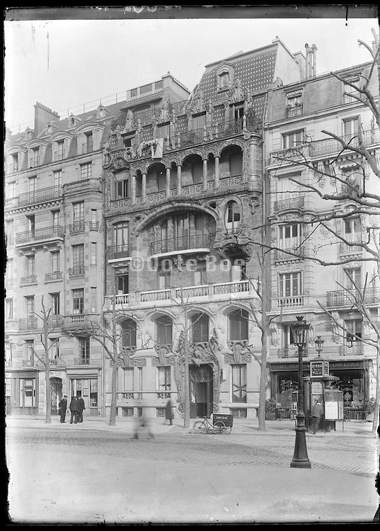 Art Nouveau appartment building 29 avenue Rapp, Paris, France, 1900-01, architect Jules Lavirotte, 1864-1928 French
