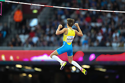 London, August 08 2017 . Armand Duplantis, Sweden, in the men's pole-vault final on day five of the IAAF London 2017 world Championships at the London Stadium. © Paul Davey.