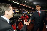 Fotball . 1. april 2006 , Barcelona - Real Madrid ,  Juan Ramon Lopez Caro , Real Madrid  trener og Frank Rijkaard , Barcelona<br /> Foto: Pep Morata , Digitalsport