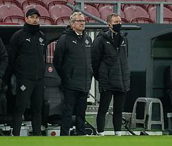 Landstræner Erik Hamrén (Island) under nationalsangen før kampen i Nations League mellem Danmark og Island den 15. november 2020 i Parken, København (Foto: Claus Birch).