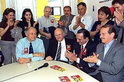 Ato coordenado pelo Ex-Deputado Carlos Araújo junto as  líderanças, realizado no dia 12/10/2000 em apoio a Tarso Genro. FOTO: Sérgio Néglia