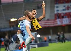 Johan Absalonsen og Alexander Bah (SønderjyskE) efter finalen i Sydbank Pokalen mellem AaB og SønderjyskE den 1. juli 2020 i Blue Water Arena, Esbjerg (Foto Claus Birch).