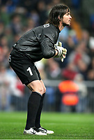 Franco COSTANZO, Argentinian Football player and Alaves goalkeeper, pays attention to the game. Real Madrid - Alaves / League 2005-06. Santiago Bernabeu Stadium, Madrid. 18-02-2006.