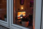 Premier Mark Rutte spreekt het volk toe tijdens een live uitzending op 16 maart over de maatregelen en gevolgen van het Corona virus.