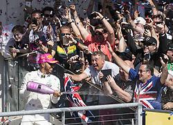 October 22, 2017 - Austin, Texas, U.S - 44 LEWIS HAMILTON driver for Mercedes AMG Petronas F1 Team celebrating with fans. (Credit Image: © Hoss Mcbain via ZUMA Wire)