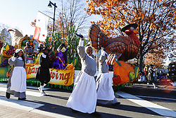November 22, 2018 - Philadelphia, PA, USA - Marching bands and floats travel down Benjamin Franklin Parkway during the 99th Philadelphia Thanksgiving Day Parade. It is the oldest Thanksgiving day parade in the country. (Credit Image: © Darryl Smith/Tns/TNS via ZUMA Wire)