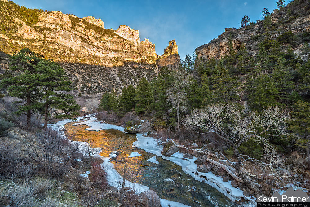 I liked the way Tongue River was reflecting the golden cliffs above. This canyon is always tricky to shoot because the sunlight disappears much sooner than I expect.