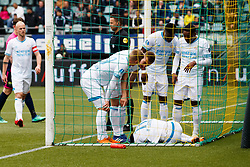 (L-R) Hirving Lozano of PSV scores 0-1, injury during the Dutch Eredivisie match between ADO Den Haag and PSV Eindhoven at Cars Jeans stadium on April 29, 2018 in The Hague, The Netherlands