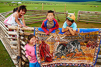 Mongolie, Arkhangai, enfant nomade  // Mongolia, Arkhangai province, nomad children