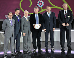 (L-R) COACH OF ARMENIA VARDAN MINASYAN AND COACH OF ANDORRA KOLDO ALVAREZ AND COACH OF REPUBLIC OF IRELAND GIOVANNI TRAPATTONI AND COACH OF RUSSIA GUUS GIDDINK AND COACH OF SLOVAKIA VLADIMIR WEISS AND COACH OF FYR MACEDONIA MIRSAD JONUZ POSE AFTER THE UEFA EURO 2012 QUALIFYING DRAW IN PALACE SCIENCE AND CULTURE IN WARSAW, POLAND..THE 2012 EUROPEAN SOCCER CHAMPIONSHIP WILL BE HOSTED BY POLAND AND UKRAINE...WARSAW, POLAND , FEBRUARY 07, 2010..( PHOTO BY ADAM NURKIEWICZ / MEDIASPORT / SPORTIDA.COM ).