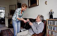 THE NETHERLANDS-THE HAGUE- Home care. PHOTO: GERRIT DE HEUS.Foto: Gerrit de Heus. Den Haag. 24/04/07. Thuiszorg