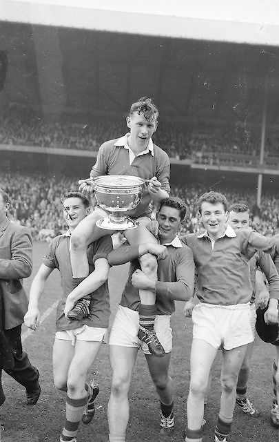 Kerry captain S. O'Mahony is chaired off the field by his team mates at the All Ireland Minor Gaelic Football Final Kerry v Mayo in Croke Park on the 23rd September 1962. Referee: E. Moules (Wicklow) Attendance: 75,771.