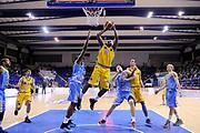 DESCRIZIONE : Porto San Giorgio Lega A 2013-14 Sutor Montegranaro Vanoli Cremona<br /> GIOCATORE : Jamie Skeen<br /> CATEGORIA : tiro penetrazione<br /> SQUADRA : Sutor Montegranaro<br /> EVENTO : Campionato Lega A 2013-2014<br /> GARA : Sutor Montegranaro Vanoli Cremona<br /> DATA : 12/01/2014<br /> SPORT : Pallacanestro <br /> AUTORE : Agenzia Ciamillo-Castoria/C.De Massis<br /> Galleria : Lega Basket A 2013-2014  <br /> Fotonotizia : Porto San Giorgio Lega A 2013-14 Sutor Montegranaro Vanoli Cremona<br /> Predefinita :