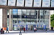 Belgie, Brussel, 14-5-2019 Het gebouw van het Europees parlement aan de rue Belliard en Place Luxembourg met het Station Europa in de europese wijk ..Foto: Flip Franssen