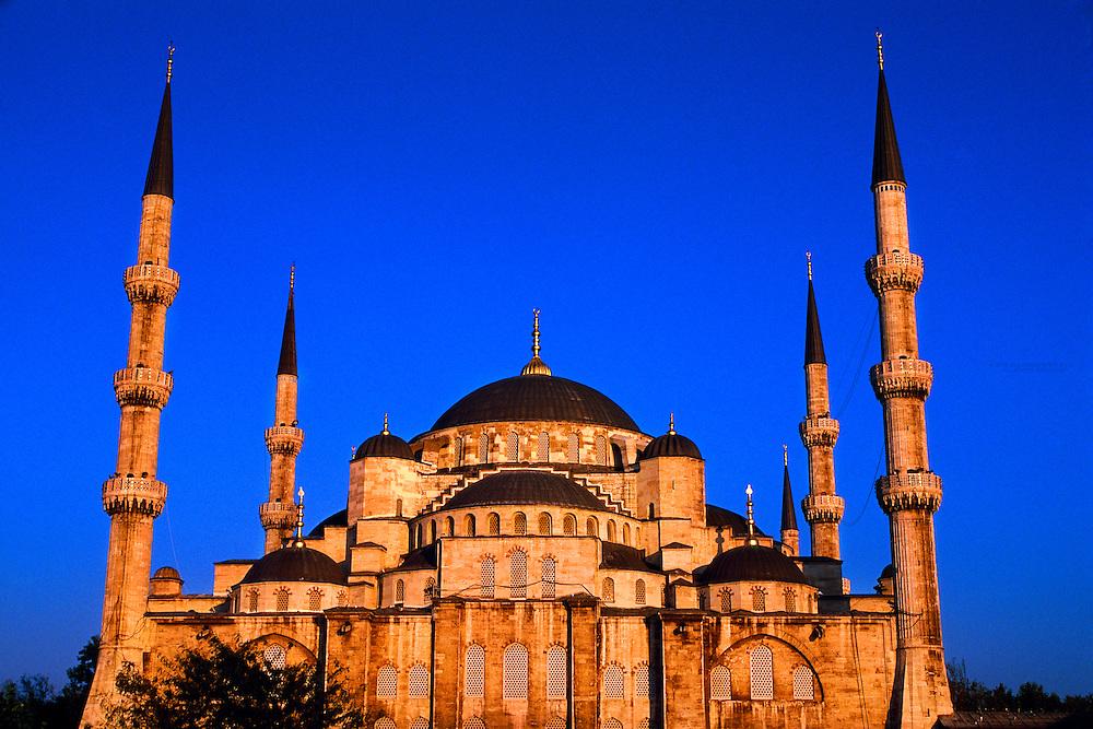 The Blue Mosque (Sultan Ahmet Cami), Istanbul, Turkey