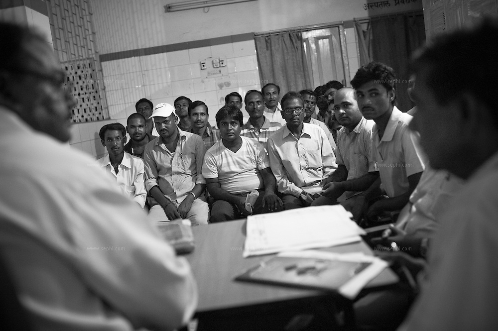 Supervisors give daily feedback to the block-level officials during evenig review meeting at the primary health center (PHC) in Khagaria sadar, Bihar.