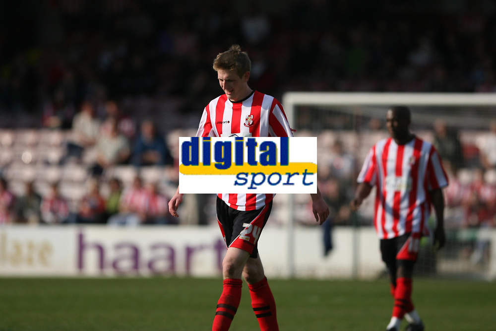 Photo: Pete Lorence.<br />Lincoln City v Stockport County. Coca Cola League 2. 07/04/2007.<br />Man of the Match, Geoff Hughes.