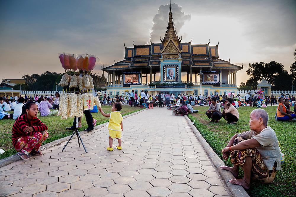 Het Koninklijk Paleis in Phnom Penh. De koning geniet een hoge populariteit in Cambodja.
