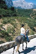 riding fra hotellet Su Gologone utenfor Oliena..dias Sardinia, Italy.