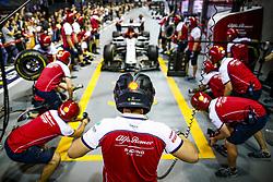 September 19, 2019, Singapore, Singapore: Motorsports: FIA Formula One World Championship 2019, Grand Prix of Singapore, ..Mechanic of Alfa Romeo Racing  (Credit Image: © Hoch Zwei via ZUMA Wire)