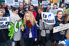 "2014-11-09 Romanians protest in London against ""stolen vote"""
