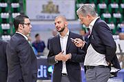 DESCRIZIONE : Beko Legabasket Serie A 2015- 2016 Dinamo Banco di Sardegna Sassari -Vanoli Cremona<br /> GIOCATORE : Staff Vanoli Cremona<br /> CATEGORIA : Before Pregame Fair Play<br /> SQUADRA : Vanoli Cremona<br /> EVENTO : Beko Legabasket Serie A 2015-2016<br /> GARA : Dinamo Banco di Sardegna Sassari - Vanoli Cremona<br /> DATA : 04/10/2015<br /> SPORT : Pallacanestro <br /> AUTORE : Agenzia Ciamillo-Castoria/L.Canu