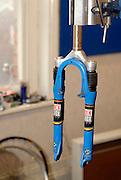 Mountain bike suspension forks
