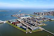 Nederland, Noord-Holland, Amsterdam, 20-04-2015; IJburg, Steigereiland, Zuidbuurt met zelfbouwkavels in de voorgrond, Waterbuurt met drijvende woningen en dijkwoningen in de achtergrond. Rechts Haveneiland, IJmeer en Buiten-IJ in de achtergrond, gezien naar Almere en Flevoland.<br /> IJburg, the new urban development district of Amsterdam<br /> luchtfoto (toeslag op standard tarieven);<br /> aerial photo (additional fee required);<br /> copyright foto/photo Siebe Swart