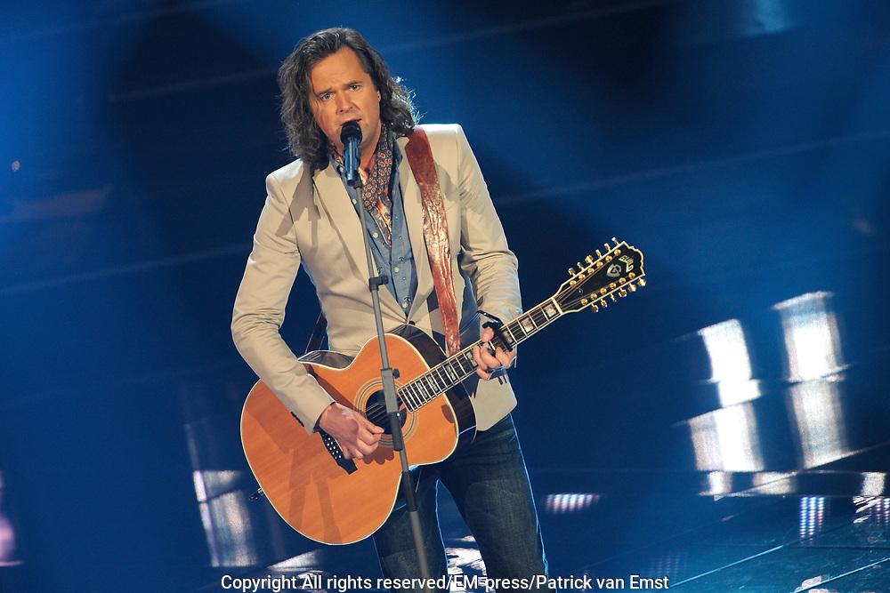 Eerste Live Show van de Voice of Holland in Studio 22 in Hilversum.<br /> <br /> Op de foto:  Erwin Nijhoff