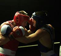 Boxing, Norway Box, Oslo  januar 2001 Jordalhallen.  Kay Tverberg, Norge (t.h.) og Darius Jasevicius, Litauen.