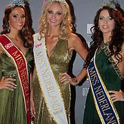 NLD/Nijkerk/20110710 - Miss Nederland verkiezing 2011, Miss Nederland 2011  Jill Lauren de Robles, Miss Nederland Universe 2011 Kelly Weekers en Miss Nederland Earth Jill Duijves