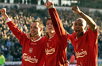 Fotball, 5. desember 2003 , Manchester City v Liverpool, AXA FA Cup, Maine Road, Manchester. <br />Liverpool's El Hadji Diouf (R) and Neil Mellor (C) og  Danny Murphy<br />Photo. Jed Wee, Digitalsport