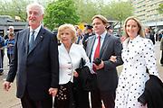 Feestelijke bijeenkomst t.g.v. 70ste verjaardag prof.mr. Pieter van Vollenhoven in het Beatrixtheater in Utrecht / Celebration of the 70th birthday of prof.mr. Pieter van Vollenhoven in the Beatrixtheatre in Utrecht.<br /> <br /> On the photo: