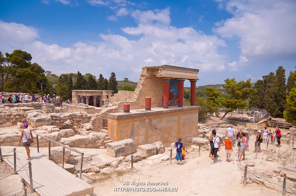 Tourists near the ruins of Minos's Knossos palace