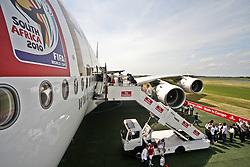 10.06.2010, Flughafen Schönefeld, Berlin, GER, ILA Internationalen Luftfahrt-Ausstellung, im Bild Airbus A380 der Emirates , EXPA Pictures © 2010, PhotoCredit: EXPA/ nph/ Hammes / SPORTIDA PHOTO AGENCY
